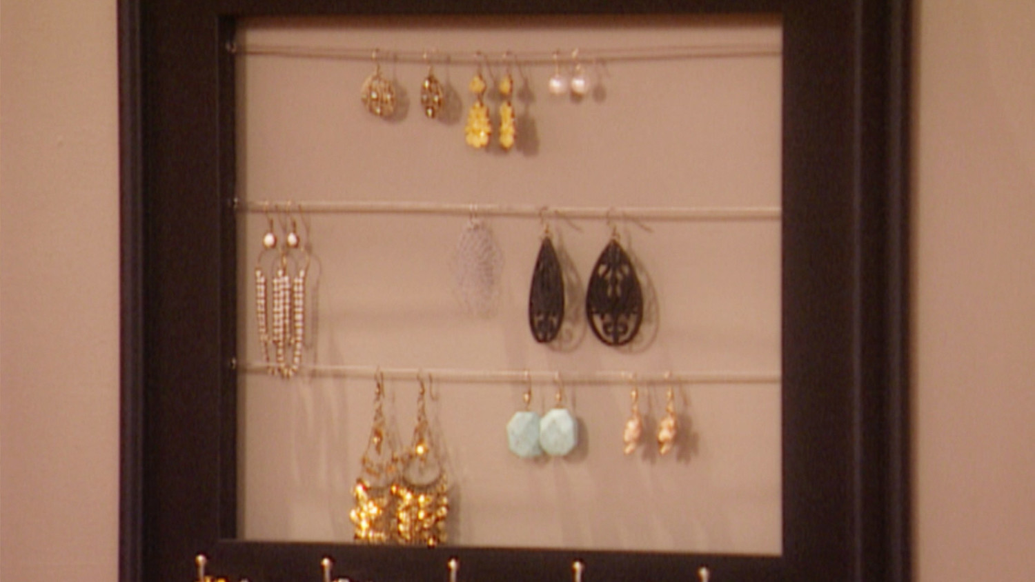 Video DIY Framed Jewelry Organizer Martha Stewart