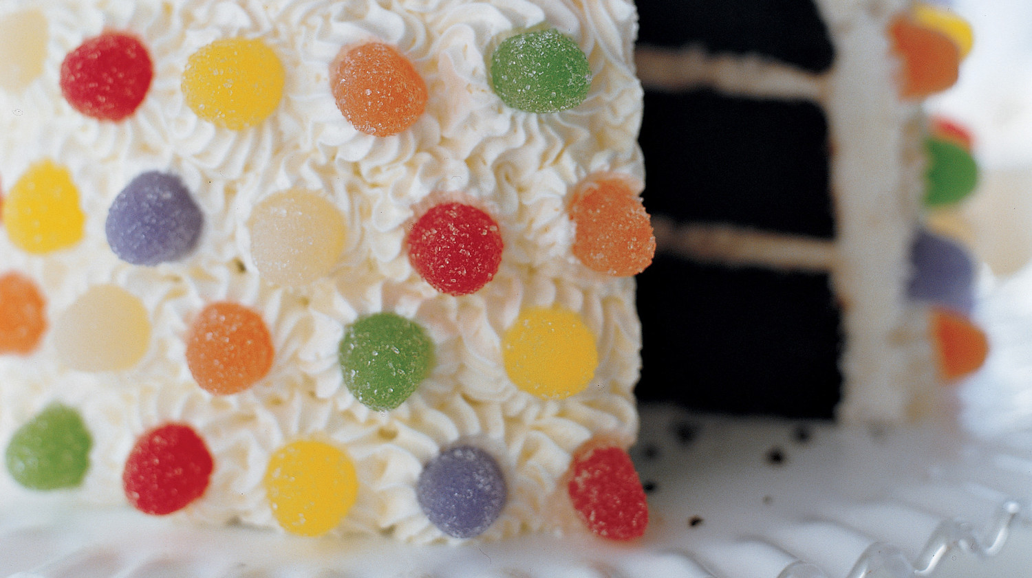 Cream heart cake says i love you in a hundred different ways - Candy Mountain Kids Cake
