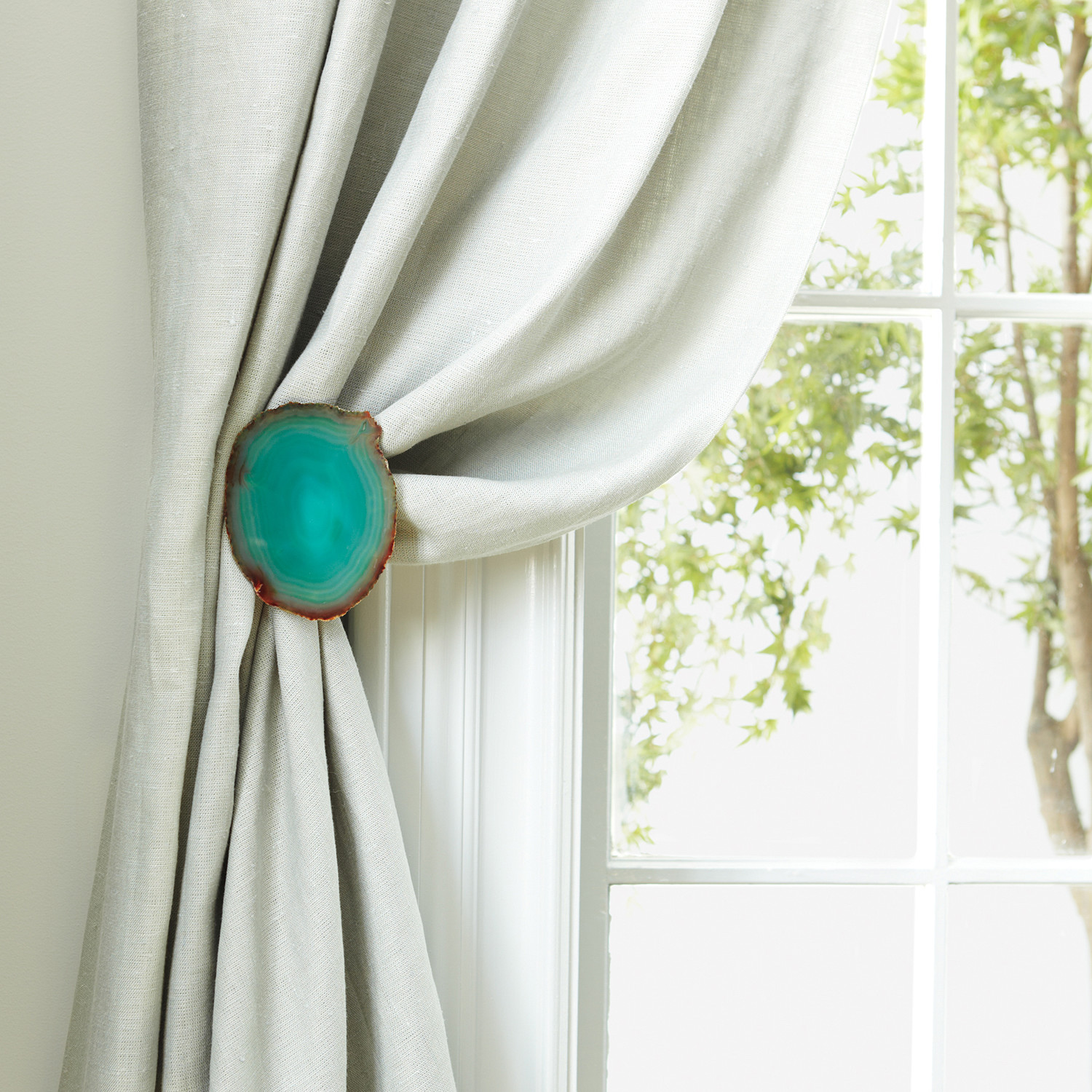 How to place curtain holdbacks curtain menzilperdenet for Curtain tie backs placement