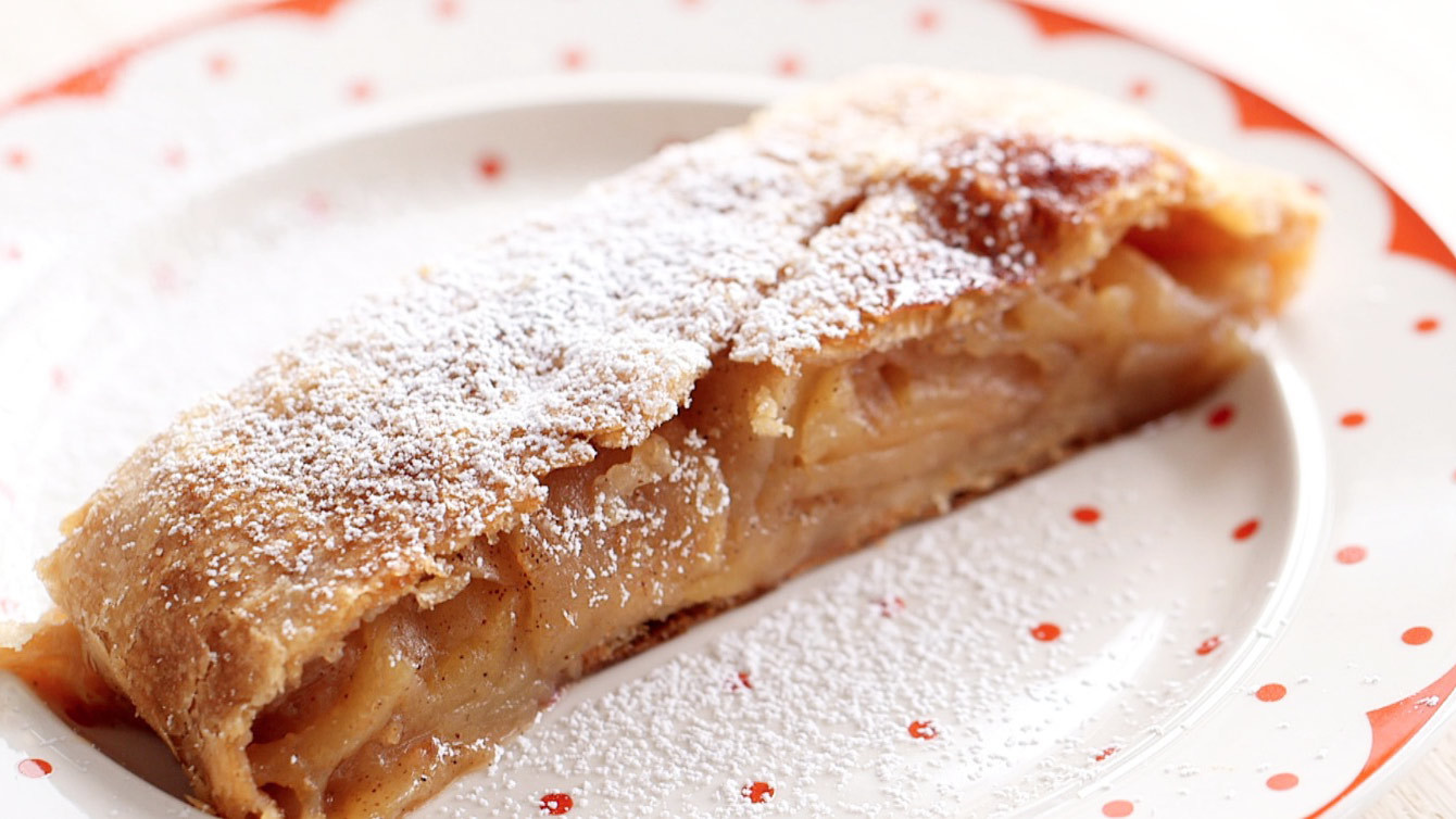 Flakey Apple-Cinnamon Strudel Video | Martha Stewart