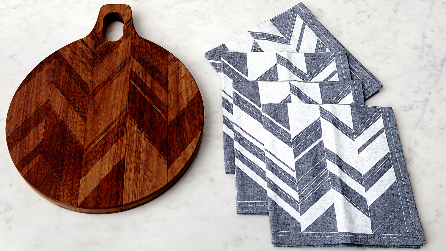 aheirloom-cutting-board-napkins.jpg