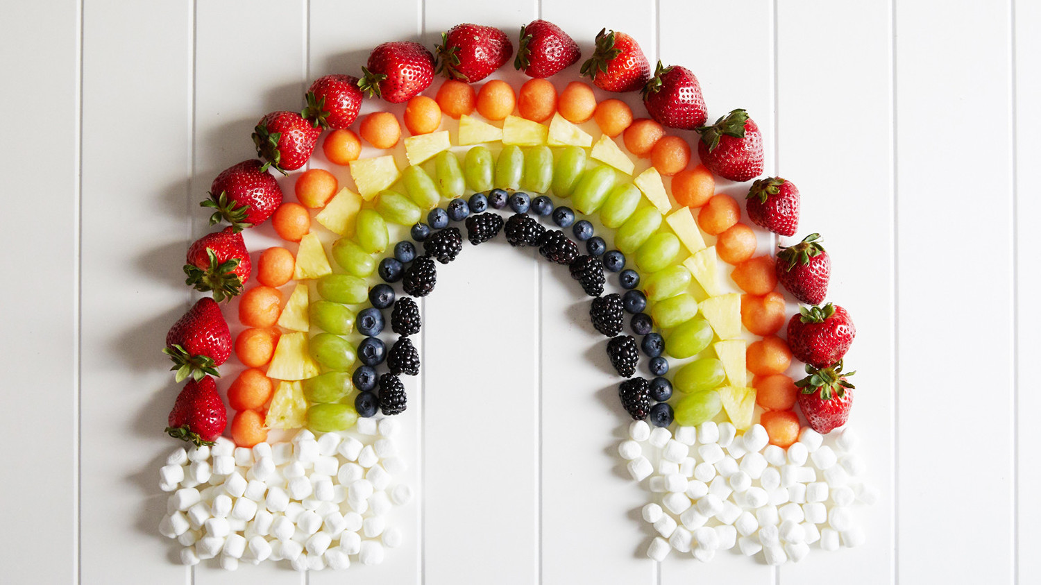Go For The Rainbow These Fruit Plates Are Cute And