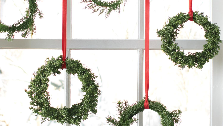 Easy Christmas Wreaths | Martha Stewart