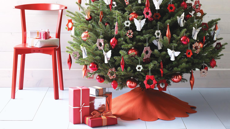 Scalloped Felt Tree Skirt   Martha Stewart