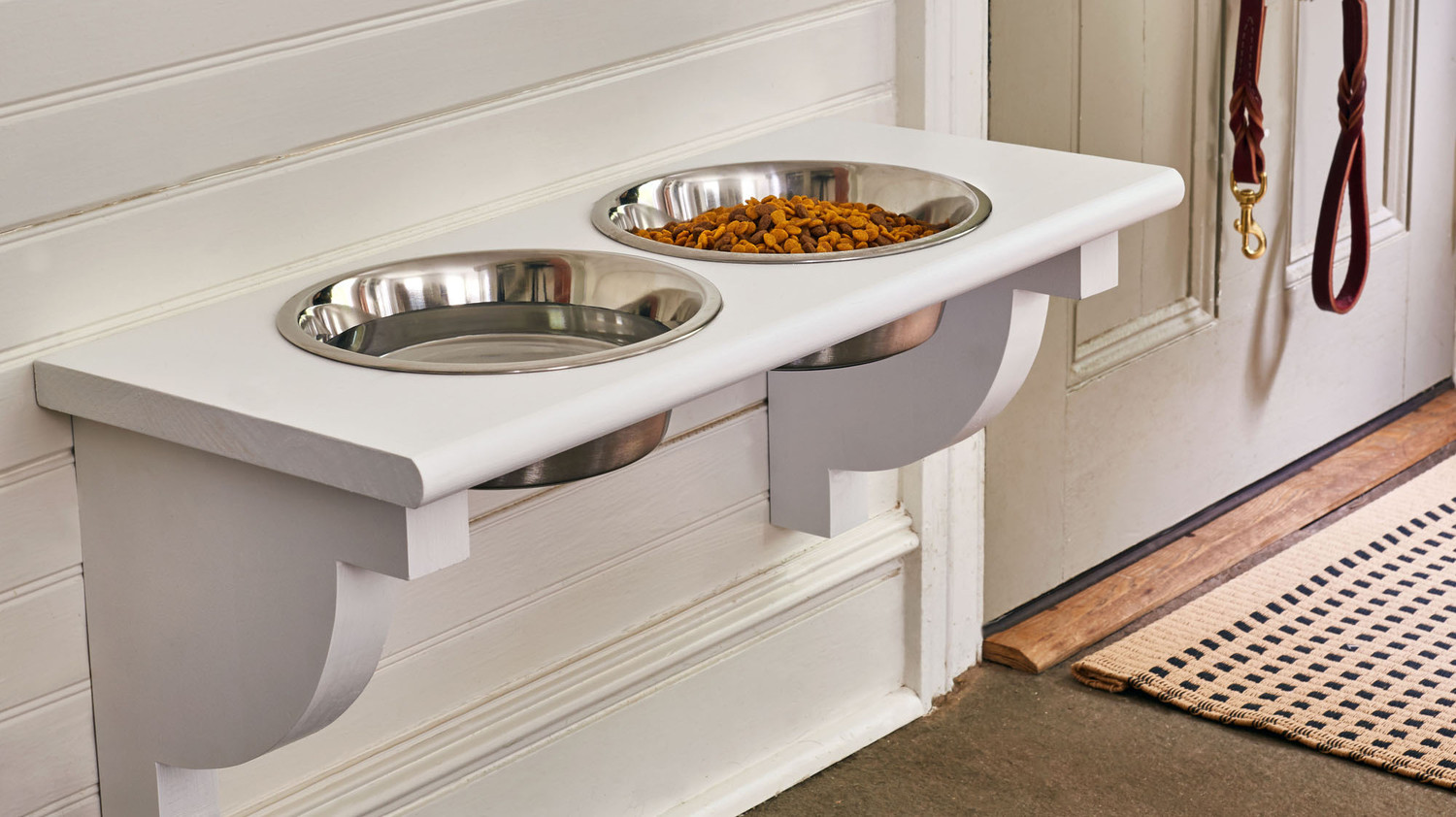 Elevated Dog Feeding Station
