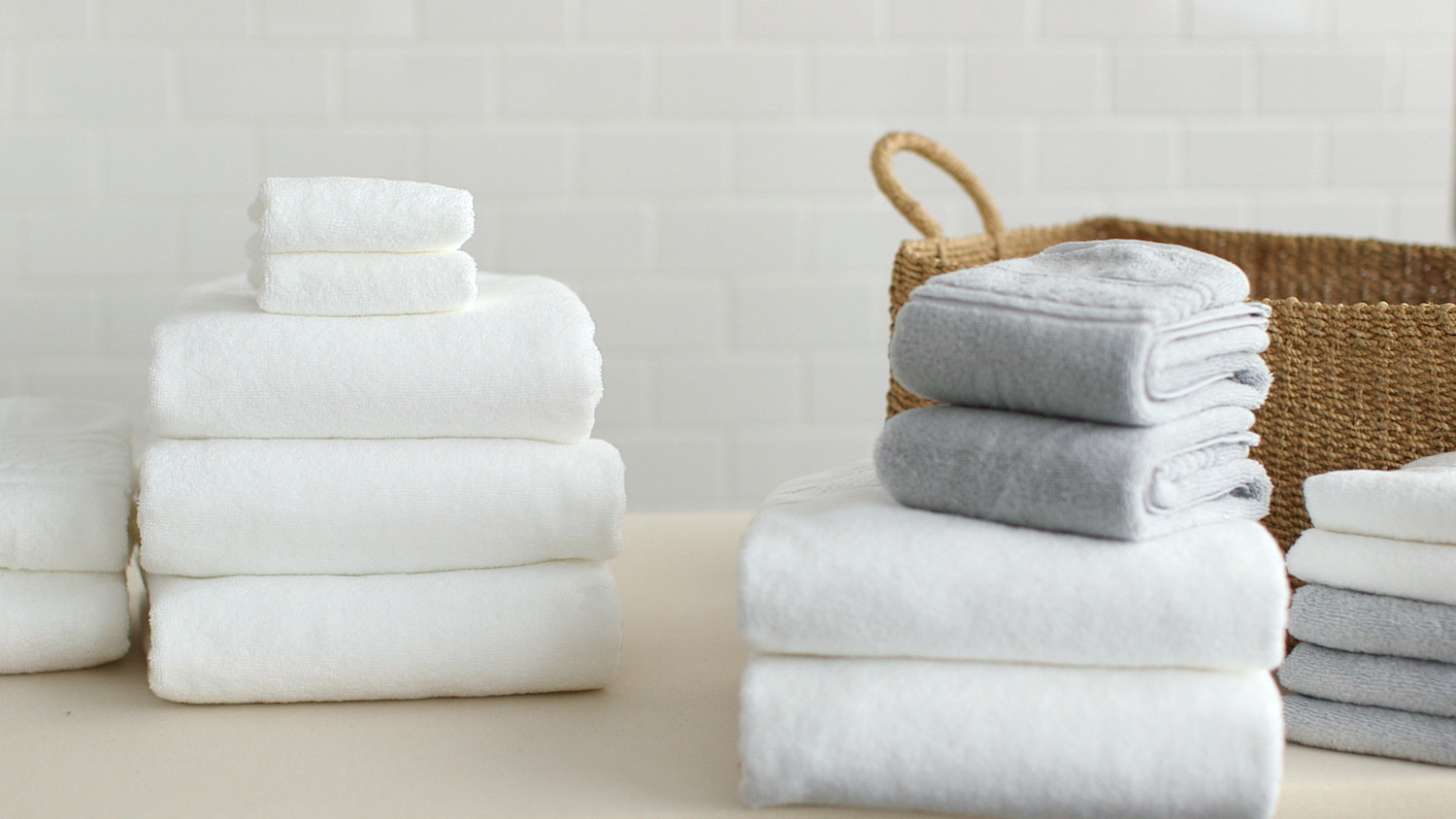 Video: How To Fold Bath Towels | Martha Stewart