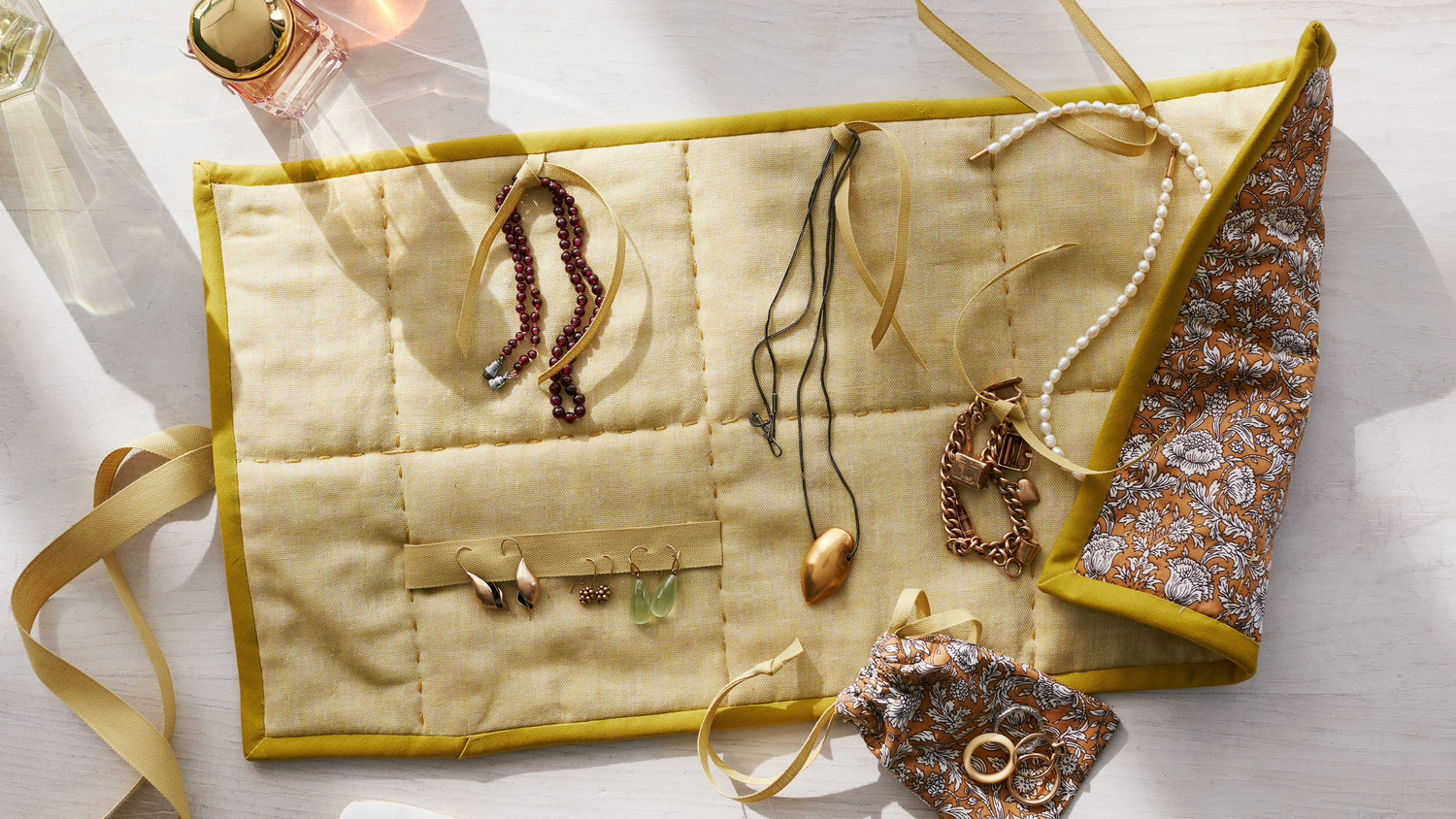 How to pack jewelry for a move martha stewart for How to pack jewelry for moving