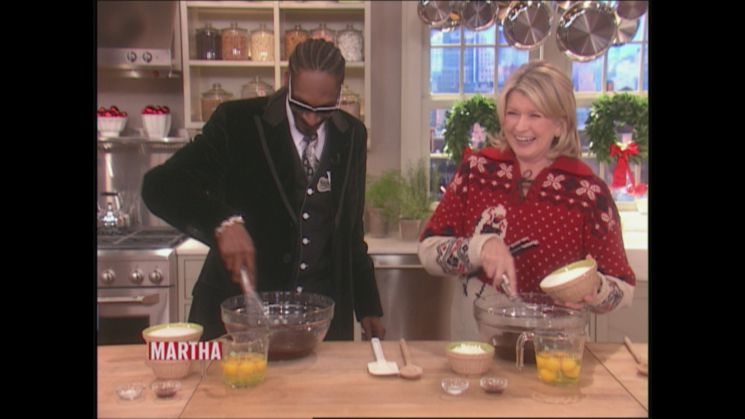 Video Baking Brownies With Snoop Dogg Martha Stewart