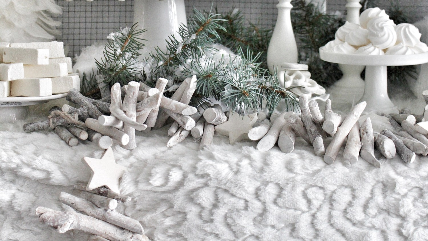 Winter-White Wood Garland