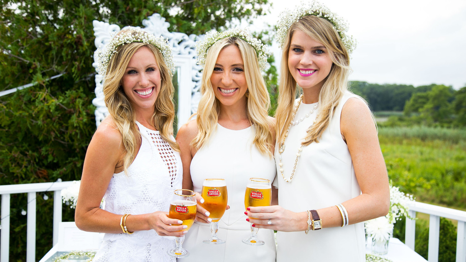 blooming en blanc party trio hosts