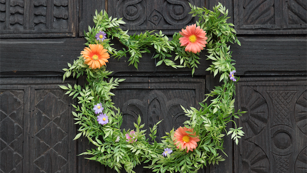 Cat-Shaped Floral Wreath