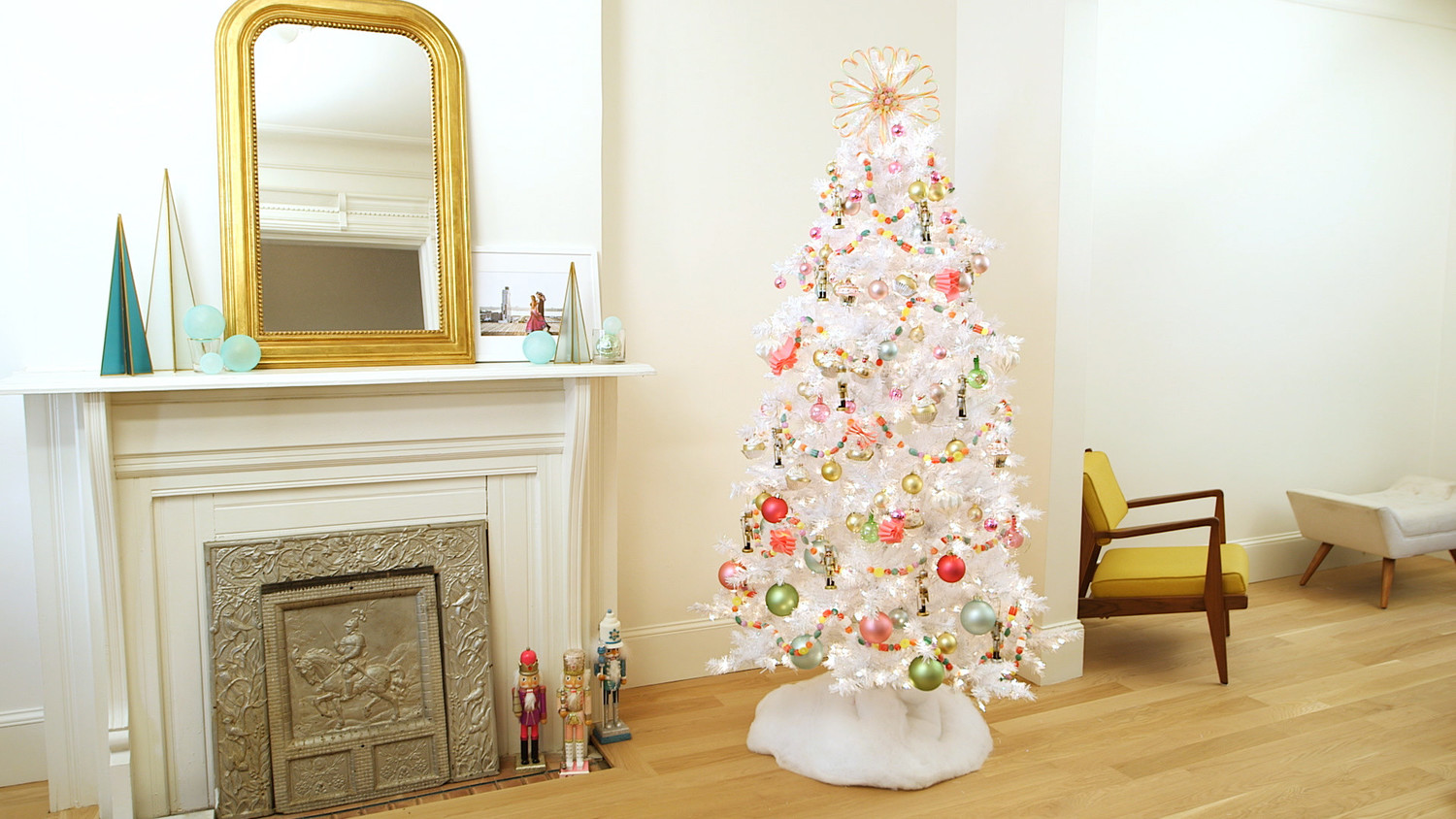 How to Decorate a Nutcracker-Inspired \