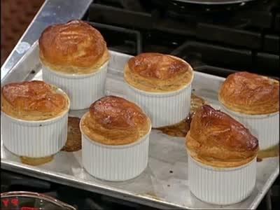 Video Chicken Pot Pie Made With Leftovers Martha Stewart