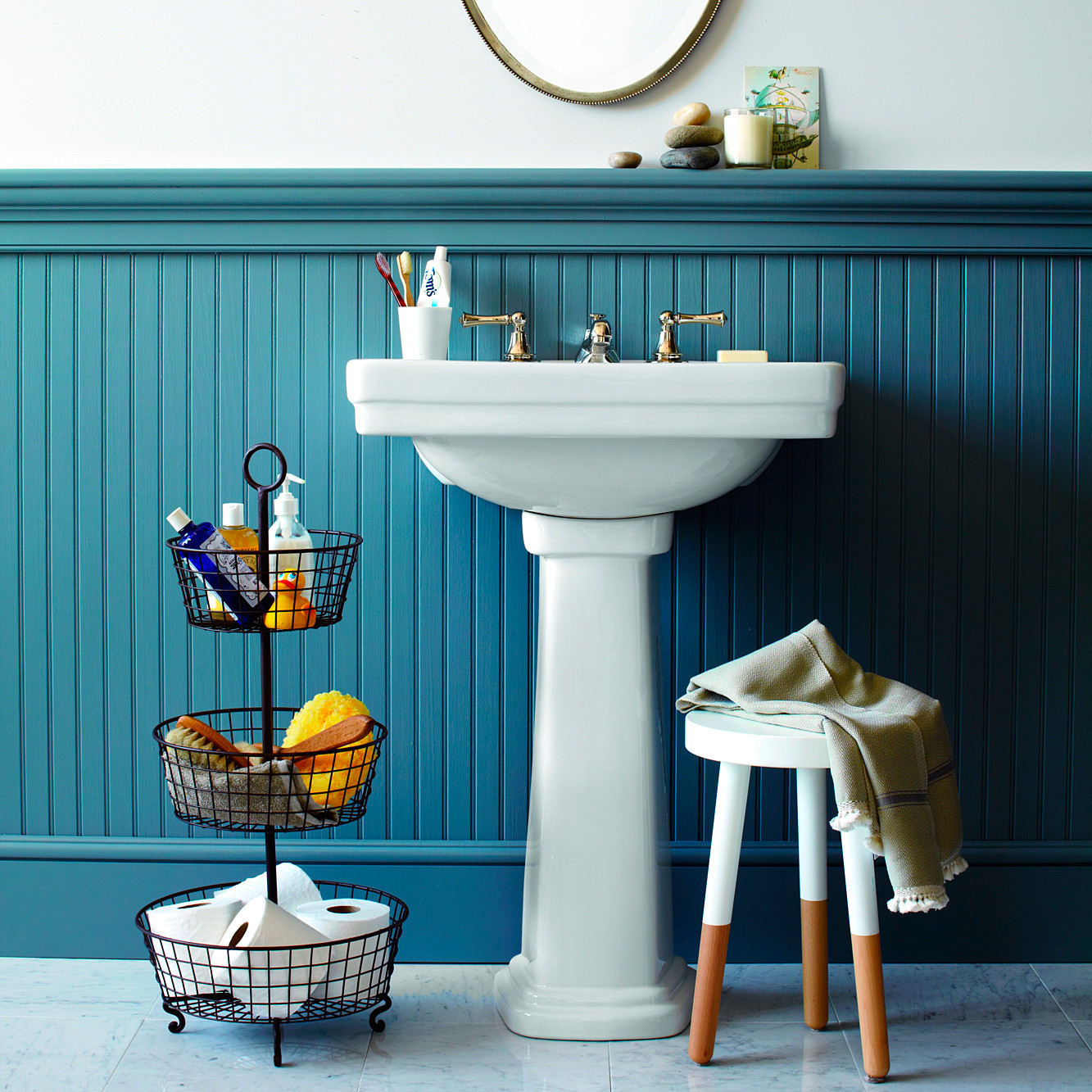 Smart space saving bathroom storage ideas martha stewart for Martha stewart bathrooms