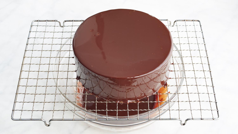 Jacques Torres S Shiny Chocolate Glaze