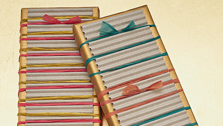 Raffia-Tied Gift Wrap