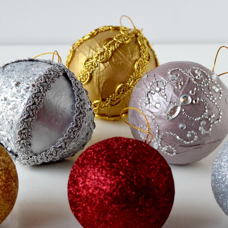 5 diy christmas ornaments that don 39 t break martha stewart. Black Bedroom Furniture Sets. Home Design Ideas