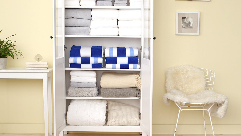 Video: How To Organize A Linen Closet | Martha Stewart