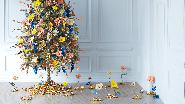 Floral-Fantasy Christmas Tree