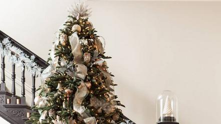 how to trim a christmas tree martha stewart - How To Put Ribbon On A Christmas Tree Martha Stewart