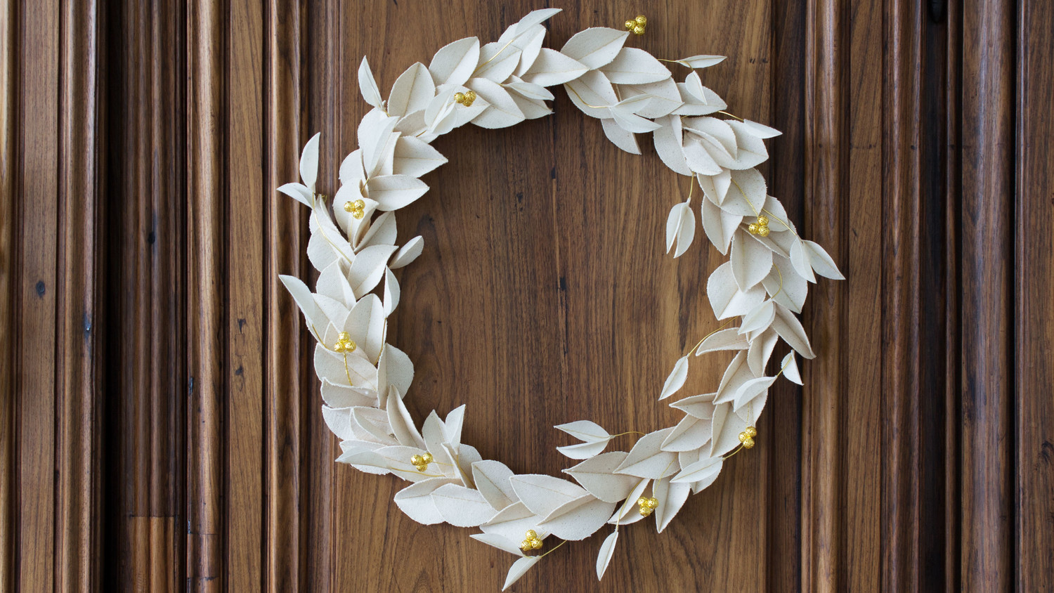 Fabric-Leaf Wreath with Gold Berries