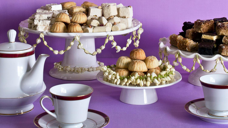 Wonderful Ramadan Food Eid Al-Fitr Decorations - ramadan-jasmine-table-decorations-0615_horiz  Pic_65517 .jpg?itok\u003digUFlg1u