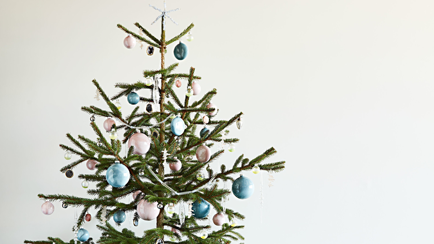 How to Decorate a Crystal-Inspired Christmas Tree   Martha Stewart