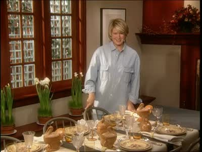 Video: Festive Thanksgiving Table Setting, Part 1 | Martha