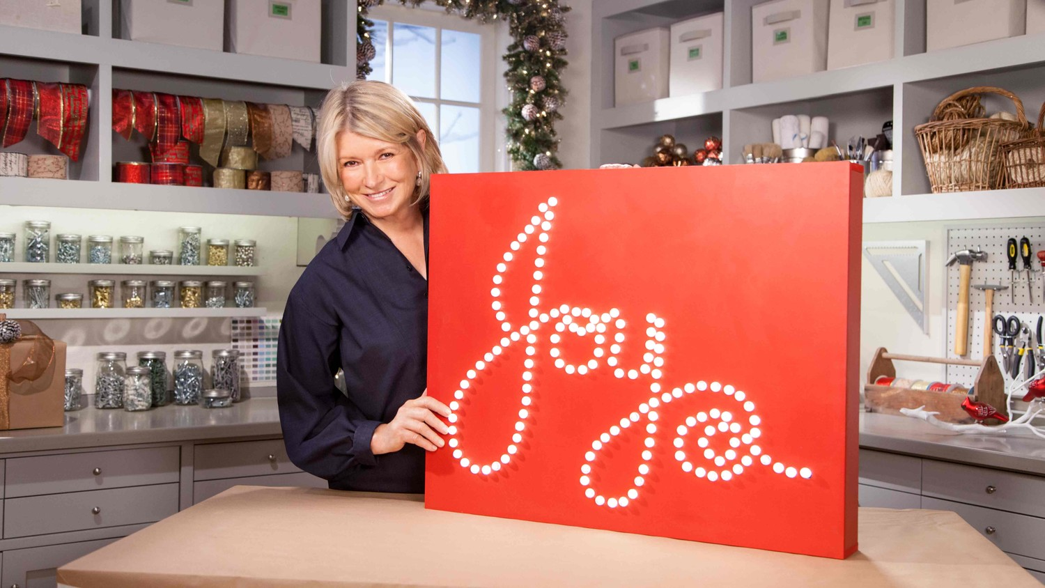 video ask martha lighted holiday sign decoration martha stewart - Lighted Christmas Signs
