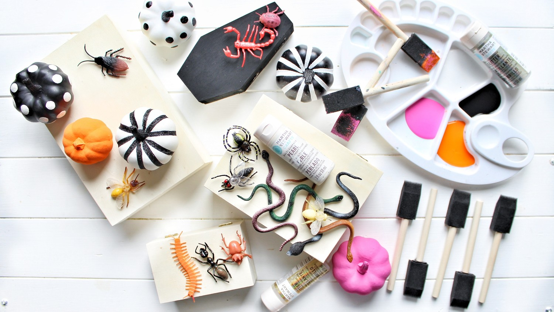 glam-halloween-mantel-decor-materials