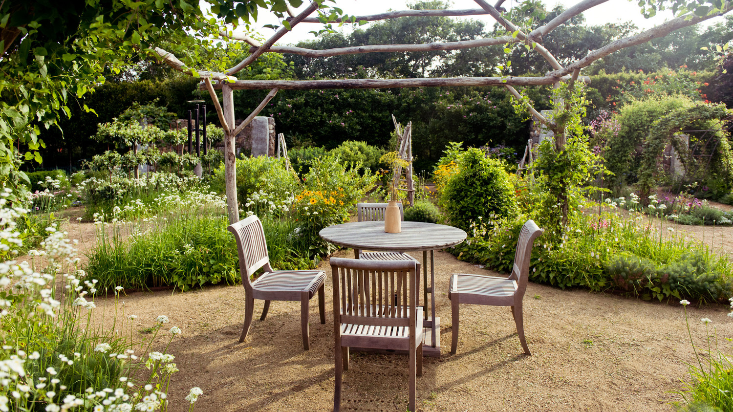 arbor table chairs