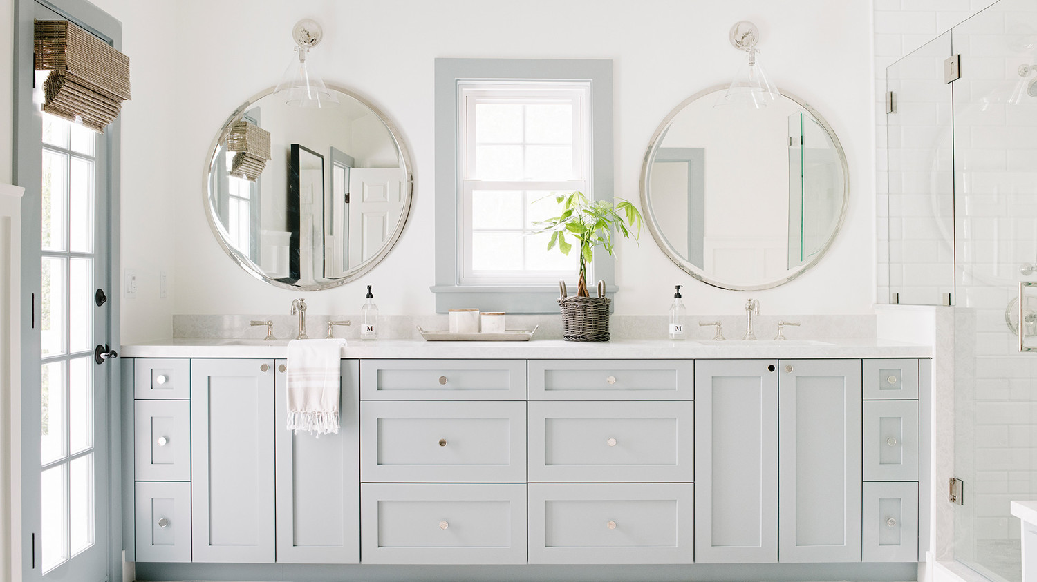 These Are the Most Popular Bathroom Paint Colors for 2020