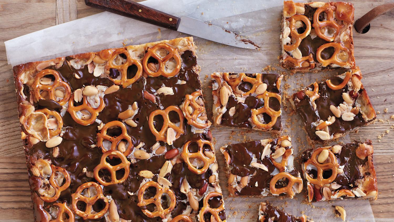 chocolate-pb-pretzel-bars-054-exp5-mld110654.jpg
