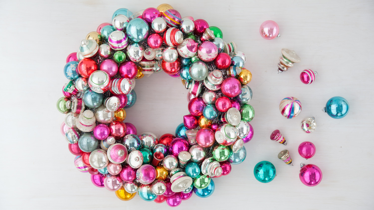 christmas ornament wreath martha stewart - Christmas Ball Decoration Ideas