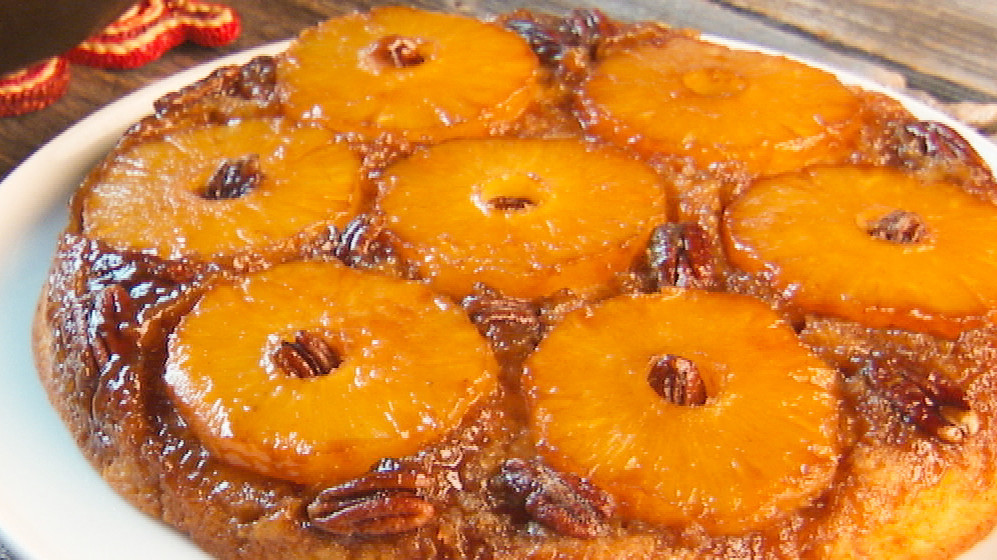 Old Fashioned Pineapple Upside Down Cake Skillet