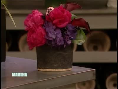 Video Flower Arrangements In Unique Takashimaya Vases Martha Stewart