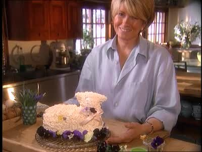 Video How To Make Icing And Frost An Easter Lamb Cake