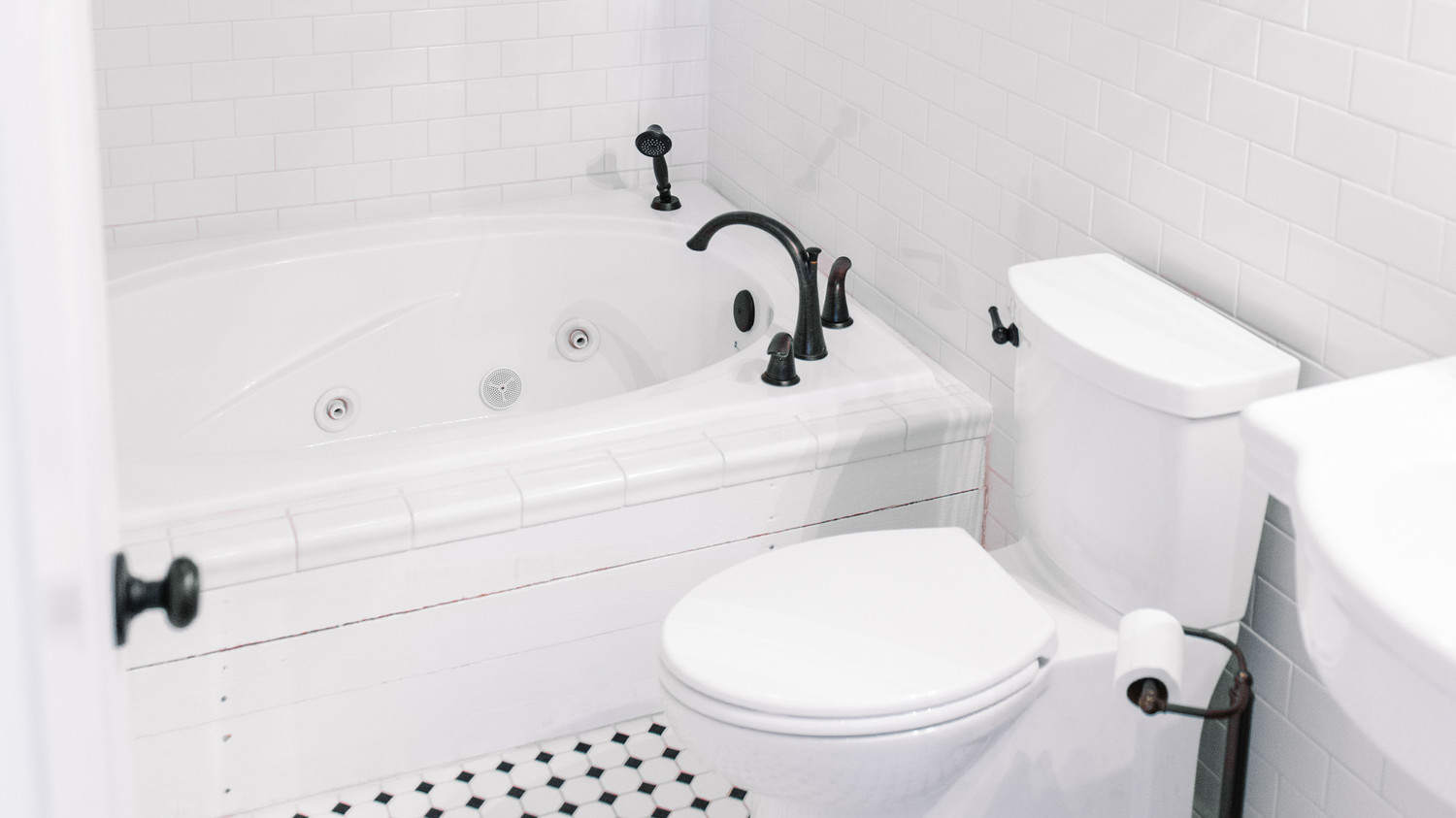 The Dirtiest Parts of the Bathroom…Cleaned!   Martha Stewart