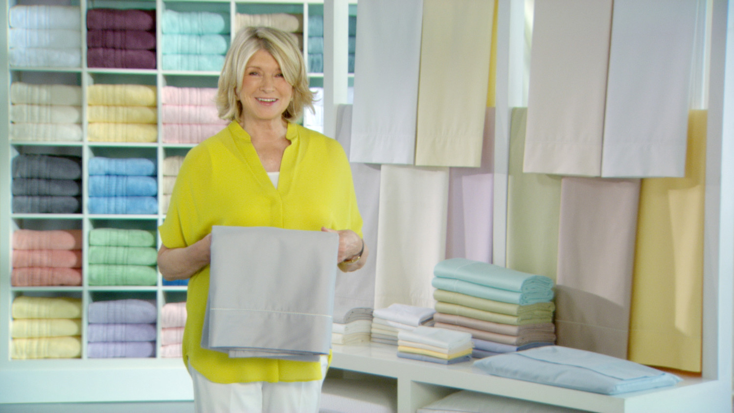 Video: The Trick To Folding And Storing Sheets With Martha Stewart | Martha  Stewart