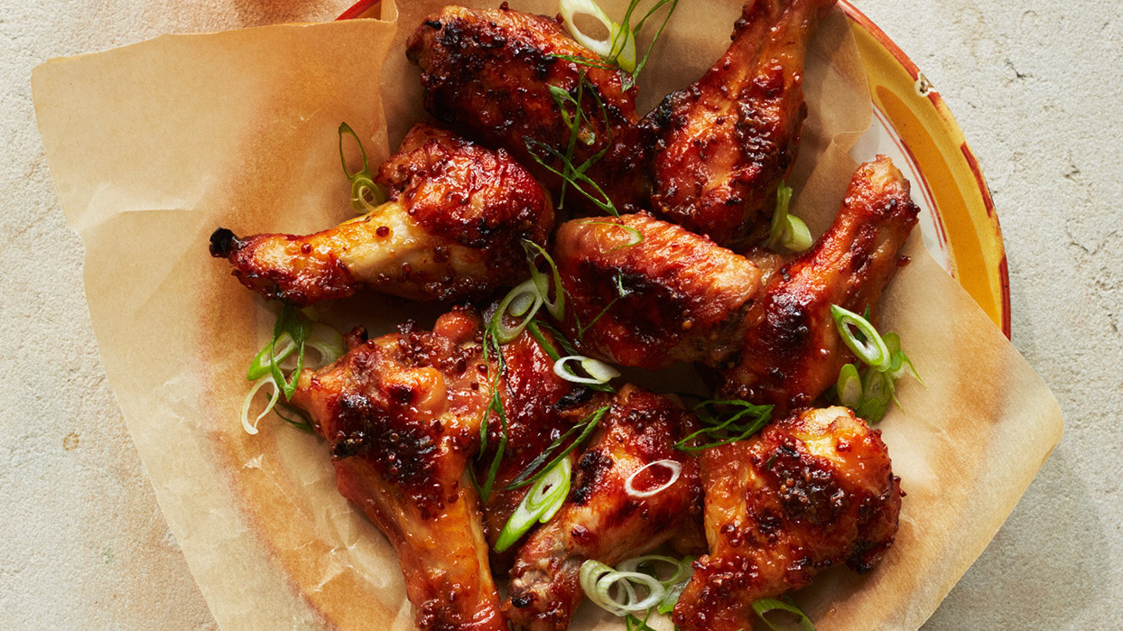 Our Ultimate Guide to Preparing Chicken Wings for the Super Bowl