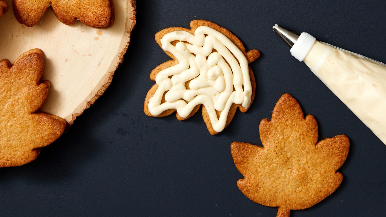 Martha Bakes Cookiesmideastern Cookies: Martha's Maple Leaf Cookies Couldn't Be More Beautiful (Or