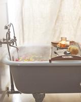 bathtub-mbd106453.jpg