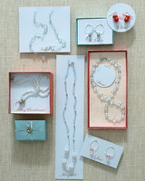 sip_hol06_jewelry.jpg