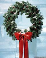 a99033_1201_wreath.jpg