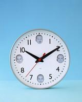 baby_spring03_clock.jpg