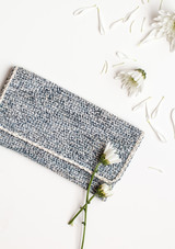 crochet-clutch-7208.jpg (skyword:307086)