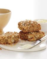 oat-plate-mld108145.jpg