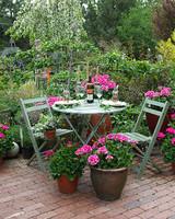 ori48985_your_garden.jpg