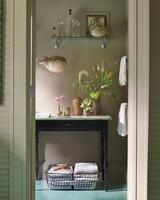 bathroom-016-md109350.jpg
