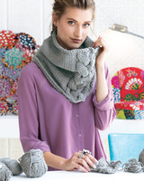 knit cabled cowl